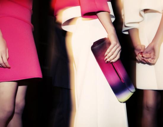 Розовая сумка обложка