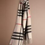 бежевый шарф Burburry Prorsum